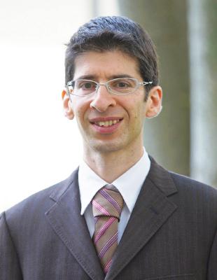 G. Papasavva先生の顔写真です。